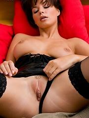 Morey Erotic Art - Mina P3