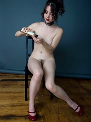 Morey Erotic Art - Christelle C1