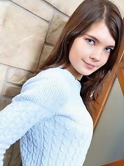 Ukranian Girl just love to strip!